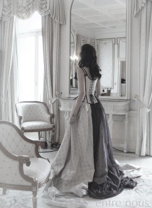 Model Zoi im Korsett von Beata Sievi, Atelier entre nous,