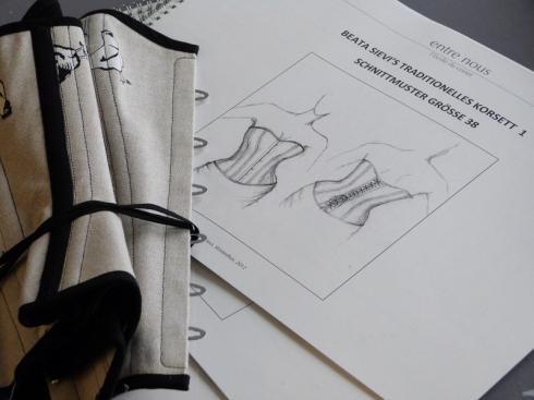 Korsettkurs von Beata Sievi - Schnittmusterbuch.