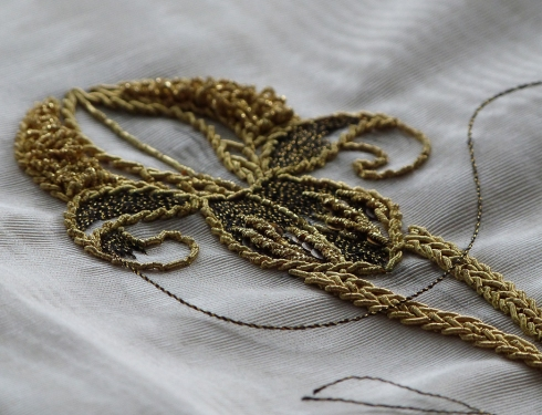 Exersize in golden-thread embroidery, Beata Sievi