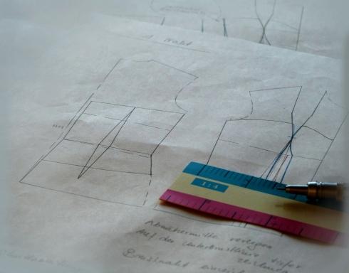 Divelop the corsett-patern  - Korsett-Schnittmuster zeichnen im Massstab 1:3