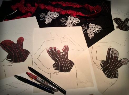 Am Anfang der Arbeitsprozesses standen mehrere Entwürfe - Korsett-Design Beata Sievi