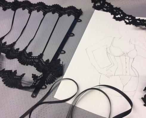 Entwurf für Boudoir Unterbrustkorsett von Beata Sievi