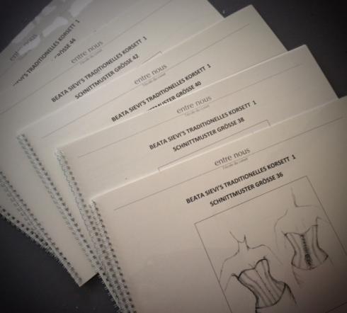 Erprobte Korsett Schnittmuster in Konfektions-Grössen 36-44