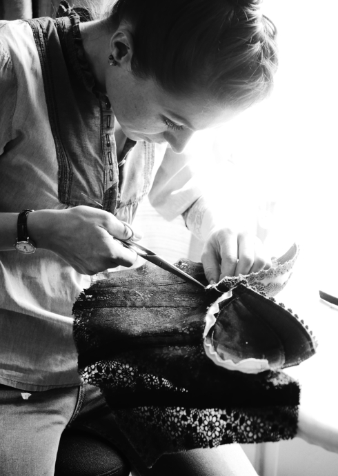 Spitzenbustier aus St.galler-Spitze - Weiterbildung für Damenschneiderinnen, Beata Sievi Corset Artist, Winterthur